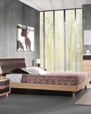 Amueblamiento dormitorio cama tapizada mesitas cómoda y espejo