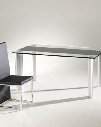 05-mesa-comedor-cristal-resistente-silla