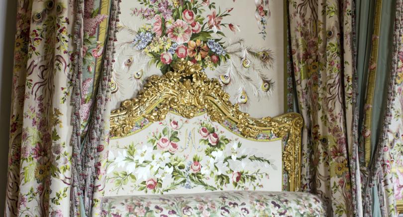 Habitación de la reina María Antonieta al abandonar Versalles en 1789, de clara influencia barroca.