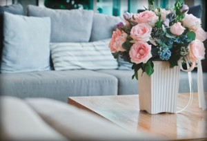 Flores-mobelpark-primavera-decoracion-sofa-mesa